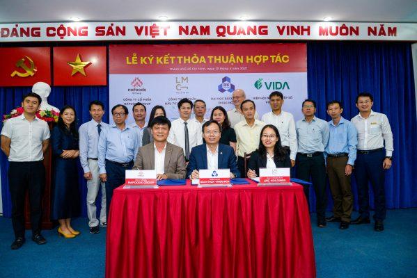 Đại diện Nafoods Group, Đại học Bách Khoa Hồ Chí Minh, LMC Holdings;